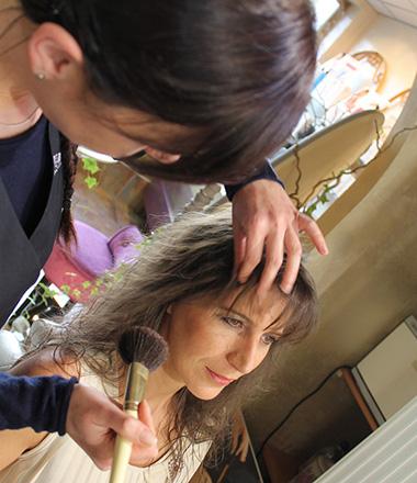 Maquillage jour et soir, teinture des sourcils, teinture cils, prestations soins